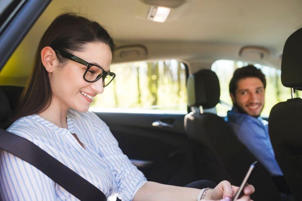 Płatność kartą przez aplikację w taksówce Glob Trans